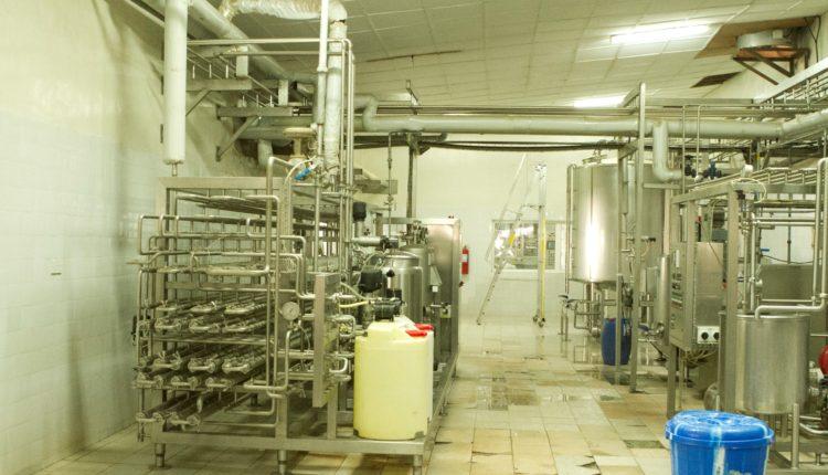 Σε ισχύ νέα μέτρα ελέγχου της αγοράς γάλακτος